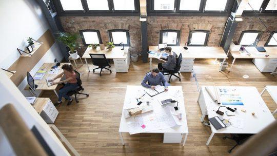 Comment transformer sa surface de bureaux en espace de coworking ?